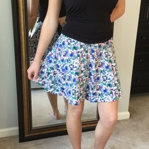 2/$10🌟Floral Print Fit and Flare Skirt🌟